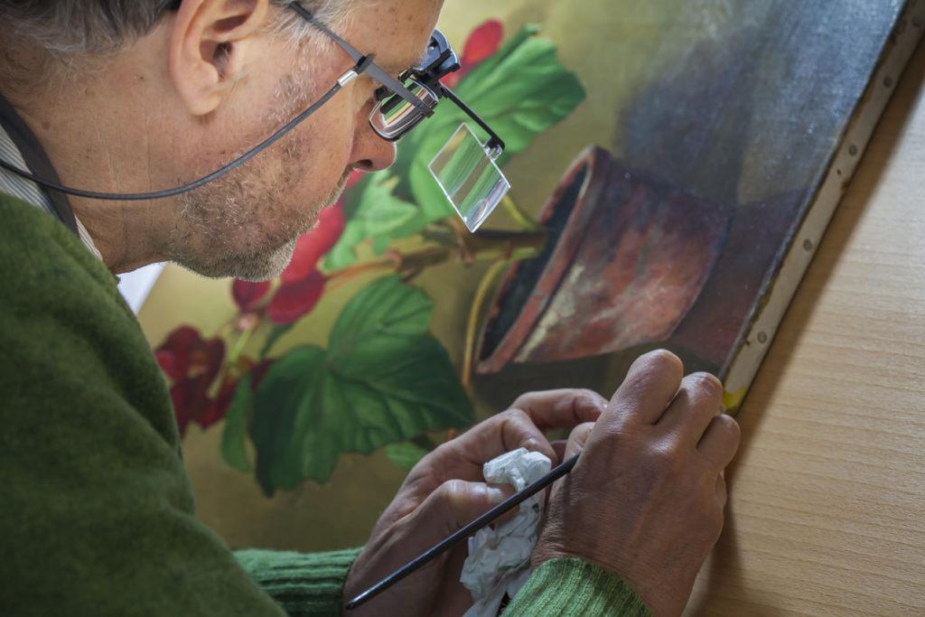 Atelier Lutz, voor conservering en restauratie van een schilderij, het retoucheren van een afbeelding